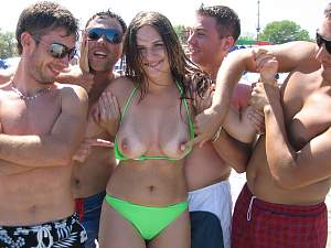 enf-cmnf-reluctant-public-nudity-photos-25.jpg