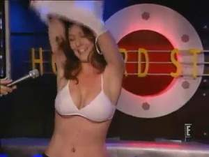 Howard_Stern_-_Debbie_Gibson_and_naked_girl_from_the_street.mp4_snapshot_10.14_[2015.01.31_15.39.jpg