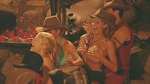 Jordan's Boob Slip Caused By Peter - I'm A Celebrity...Get Me Out Of Here!.00_00_20_03.Still002.jpg