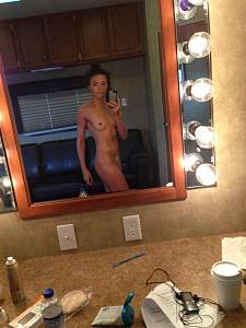 Click image for larger version  Name:Trieste-Kelly-Dunn-14thefappening.2015.jpg Views:102 Size:583.0 KB ID:9140069
