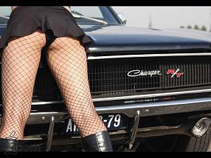 sexy-girl-and-sport-car-487.jpg