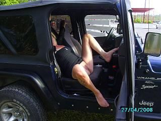 Click image for larger version  Name:jeep5.jpg Views:99 Size:153.9 KB ID:1912066