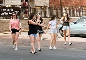 Click image for larger version  Name:Candid Town - 1320.jpg Views:28 Size:1.18 MB ID:10148701