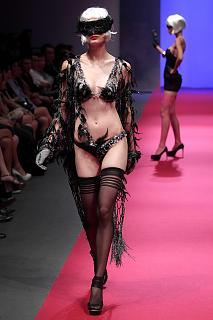 692426126_UploadedByKurupt_Passage_Of_Dreams_By_Triumph_show_during_Audi_Fashion_Festival_Singap.jpg