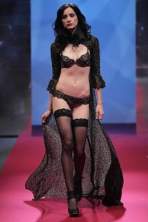 692700662_UploadedByKurupt_Passage_Of_Dreams_By_Triumph_show_during_Audi_Fashion_Festival_Singap.jpg