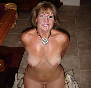 Click image for larger version  Name:mature-milf-naked-95117.jpg Views:83 Size:86.6 KB ID:10154845