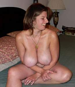 amateur-nude-wives-with-big-tits.jpg