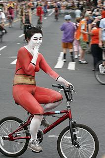 nude_cyclists_fremont_parade_seattle_2008_310.jpg