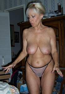 Awesome tits 4106 mature & full.jpg