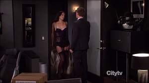 Cobie Smulders - How I Met Your Mother - S08E09 - Lobster Crawl_0001.jpg