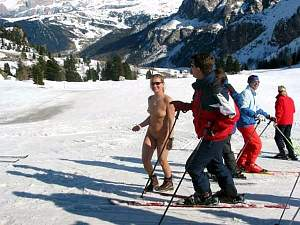 tim and carol (nude) fred and linda skiing.JPG