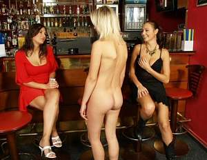 carol nude with linda and friend.jpeg