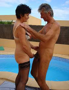 horny_older_couple_in_hardcore_action_01.jpg