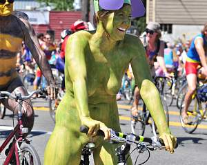 2015 Fremont Solstice cyclists 281 by Joe Mabel(crop&re-1025h).jpg
