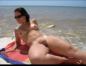 beach_nude_by_jlandrum-dam6f68.jpg