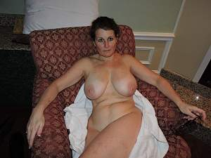 Awesome tits 5917 wet on the Towel-.jpg