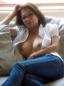 Awesome tits 15 wife does a Natural poser!.jpg