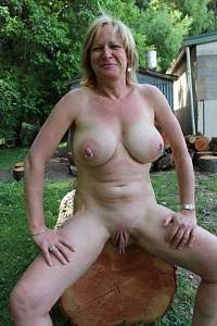 Awesome tits 30 Granny has nice Ornaments!.jpg
