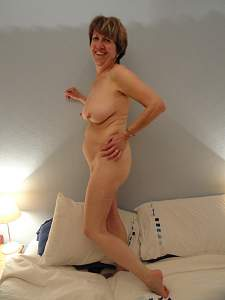 Awesome tits 8 wife drops to show Hangers!.jpg