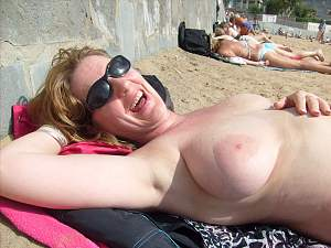 Awesome tits 16 wife was Happy on vacation!.jpg