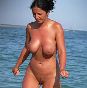 Awesome tits 187 wife tans Everything!.jpg