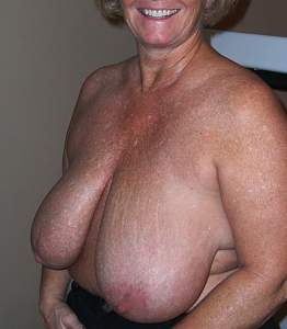 Awesome tits 194 nice of Mom to show her BEST!.jpg