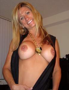 Awesome tits 15 wife gives a Sweet Country look!.jpg