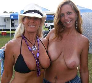 Awesome tits 30 GF's are nice to show them!.jpg