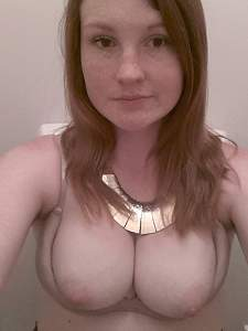 Awesome tits 13 GF has a Sexy top!.jpg