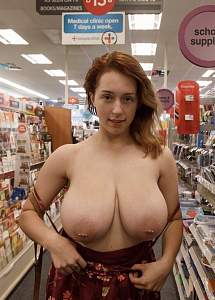 Awesome tits 17 GF has new Ornaments!.jpg