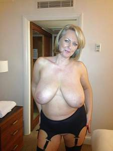 Awesome tits 30 wife is a Busty Beauty!.jpg