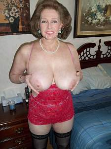 Awesome tits 118 Granny is extra huge!.jpg
