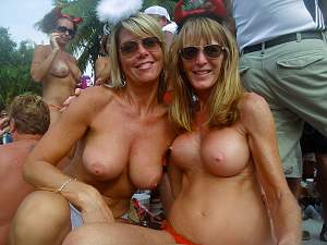 Awesome tits 22 GF's do a Great tit Show!.jpg