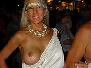 Awesome tits 37 wife does a Single showing!.jpg
