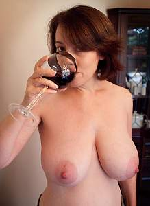 Awesome tits 7 wife has extra full Cones!.jpg