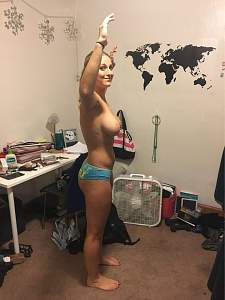 Awesome tits 14 GF trys to give UP!.jpg