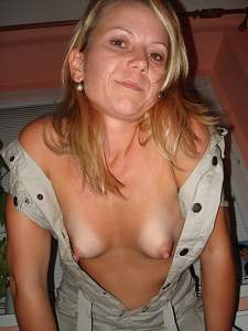 Awesome tits 27 wife has great form and Pointers!.jpg