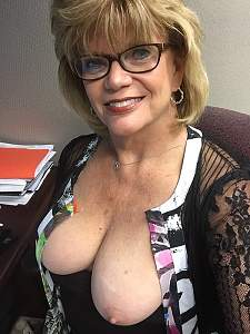 Awesome tits 21 Granny has full Natural cones!.jpg