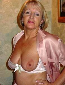 Awesome tits 26 Granny does a single Teaser!.jpg