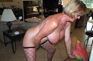 Awesome tits 35 Granny does a full hang out!.jpg