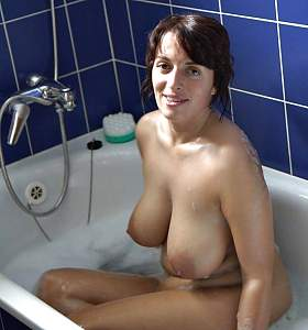 Awesome tits 32 wife has the floaters ready!.jpg