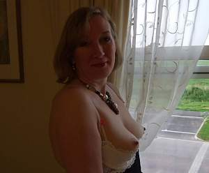 Awesome tits 44 Granny has a Great BRA!.jpg