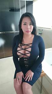 Awesome tits 52 GF is a Busty Beaty in clothing!.jpg