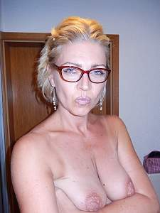 Awesome tits 71 wife does a great Pucker UP!.jpg