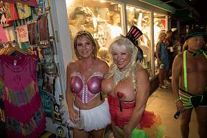 Awesome tits 78 Granny's are Sexy in glitter!.jpg