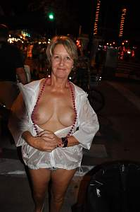 Awesome tits 395 Granny is a Classy Beauty!.jpg