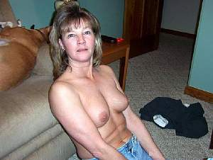 Awesome tits 201 wife does a floor pose!.jpg