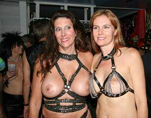 Awesome tits 215 GF's have Strap BRA's!.jpg