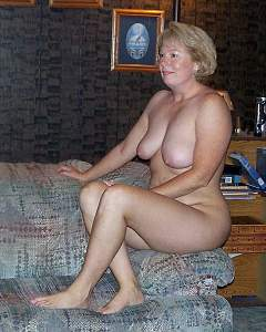 Awesome tits 220 wife is a Classy beauty!.jpg