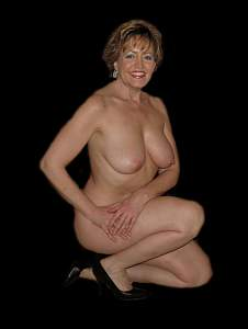 Awesome tits 226 wife goes Bold & Nautral at studio!.jpg
